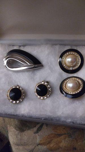 Ear rings, pendents set for Sale in Avondale, AZ