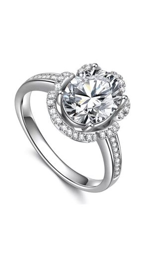 WOMANS GORGEOUS OVAL CUT WHITE SAPPHIRE 925 STERLING SILVER ENGAGEMENT RING for Sale in Phoenix, AZ