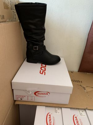 Boots new toddler 11, 12, 13 & youth 1, 2, 3, 4 for Sale in El Monte, CA
