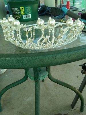 Wedding crown for Sale in Montebello, CA