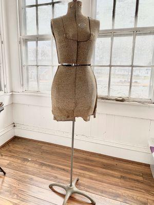 Vintage Mannequin for Sale in Greer, SC