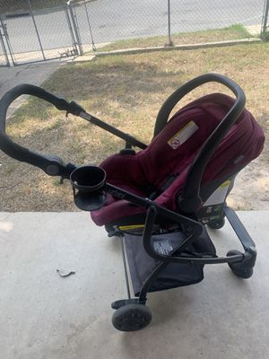 Urbini Omni Plus car seat/stroller for Sale in Brownsville, TX