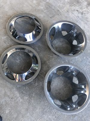 Chevy / gmc dually hub caps oem for Sale in Hialeah, FL
