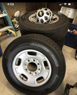 Chevy 2500 rims and tires for Sale in Charleston, SC