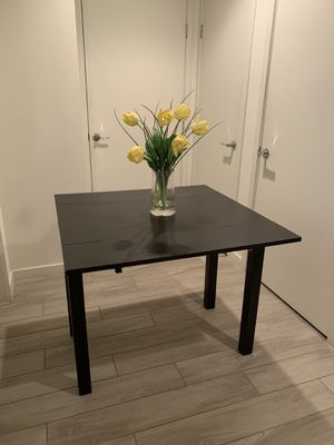 """Expandable Table - 35"""" x 35"""" Extended; 35"""" x 19.5"""" Closed for Sale in Miami, FL"""