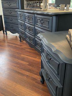 Dresser Set bedroom set for Sale in Puyallup,  WA
