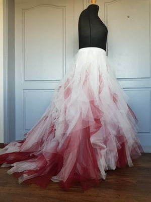 Ombre ivory to burgundy skirt for Sale in Keizer, OR