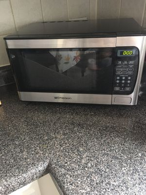 Microwave for Sale in North Riverside, IL