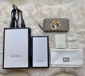 Gucci wallet for Sale in Boston, MA