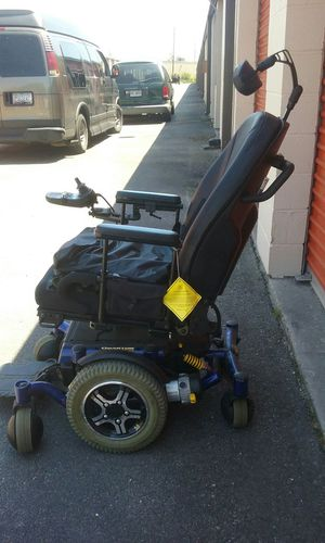 Quantum 6000z powerchair for Sale in Savannah, GA
