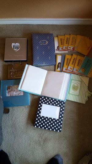 Lot of photo albums. Hold MANY 4 x6 photos for Sale in Lucas, TX
