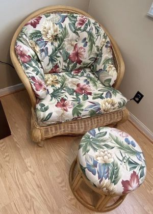 Floral Lounge Chair with Ottoman for Sale in Hollywood, FL