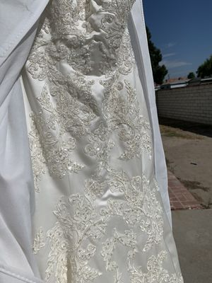 Selling dress, never used for Sale in Pico Rivera, CA