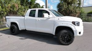 2015 Toyota Tundra SR5 4x4 4 Door Crew Cab for Sale in Miami, FL