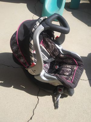 $40 for all Stroller newborn clothes infant carrier with base for Sale in Montebello, CA