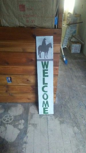 Cowboy welcome sign for Sale in Aberdeen, WA