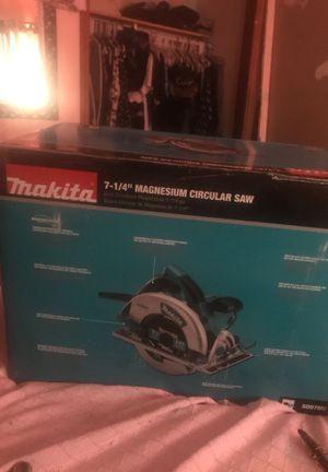 Makita 7 1/4 magnesium circular saw for Sale in Phoenix, AZ