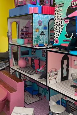 LOL surprise Doll House And Lots Of Accessories for Sale in Orland Park,  IL