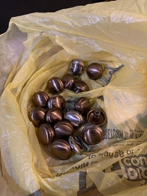 17 assorted cabinet knobs for Sale in Fort Myers, FL