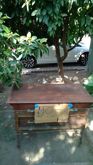 Antique dresser for Sale in Arrowhead Farms, CA
