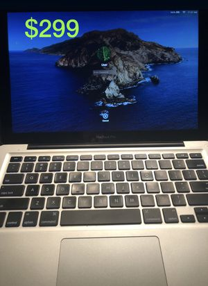 MacBook 2012 i5 cpu 4 gb of ram 13 inch screen with charger for Sale in Middlebury, CT