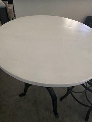 Crank dining table for Sale in Atlanta, GA