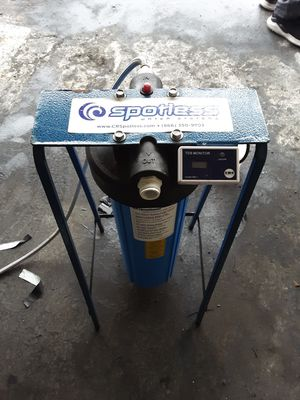 CR SPOTLESS WATER SYSTEM DI-120 Medium Output for Sale in El Cajon, CA