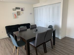 Dining table and stole bar chairs for Sale in SUNNY ISL BCH, FL