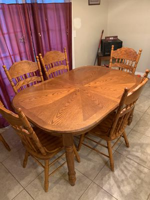 Dining room table, extension leaf, and 6 chairs for Sale in Spring Valley, CA