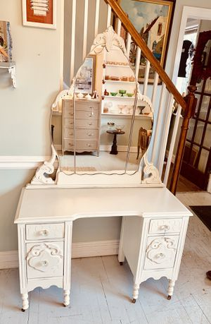 Antique white Jacobean Victorian vanity with mirror for Sale in South Kensington, MD