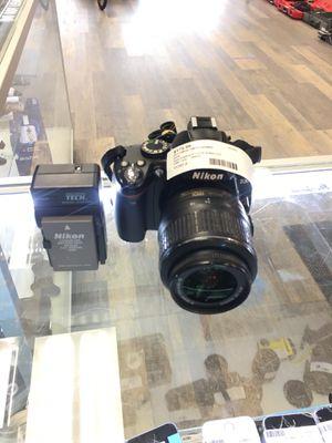 Nikon D D3000 10.2MP Digital SLR Camera - w/ AF-S DX VR 18-55mm Lens for Sale in Revere, MA