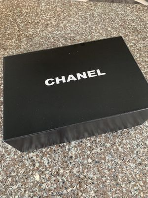 Chanel wallet chain for Sale in Ives Estates, FL