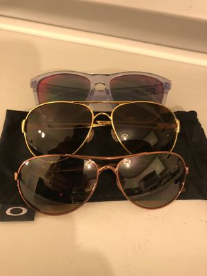 Oakley sunglasses 3 pair for Sale in Kannapolis, NC