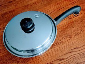 "Saladmaster cookware 9"" Diameter, 2.5"" deep for Sale in Carrollton, TX"