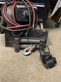 Warn 8274 Winch for Sale in Issaquah,  WA