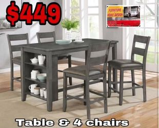 Table With 4 chairs  for Sale in Visalia, CA