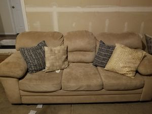 Couch for Sale in Sumner, WA