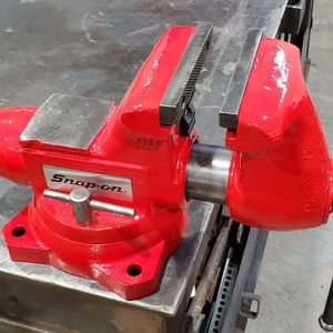 Snap On 6 Inch Vise Model 1760 for Sale in Tacoma, WA