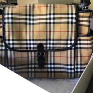 NEW Burberry Baby Changing Bag for Sale in Irvine, CA