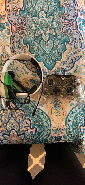 Turtle beach headset n afterglow controller comes with all wires for Sale in Canton, IL