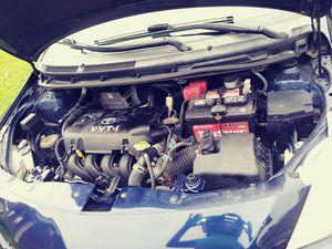 Vendo un Toyota Yaris 2008 con 111000 millas está en buenas condici1s Para más información al {contact info removed} ies título limpio for Sale in Alexandria, VA
