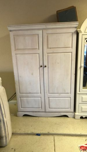 cabinet with computer desk for Sale in Scottsdale, AZ