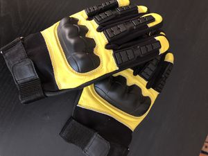 Motorcycle gloves yamaha style for Sale in Woodbridge, VA