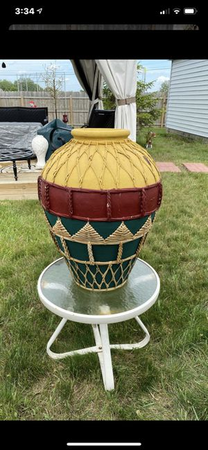 Large Cement flower pot for Sale in Tinley Park, IL