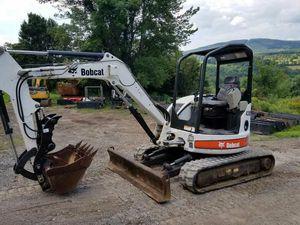 E35 mini excavator bobcat for Sale in Beaufort, SC
