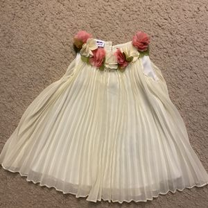 Beautiful Off-white/ivory Babygirl's Semi-formal Dress for Sale in Chino Hills, CA