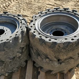 "Bobcat 12-16.5 Solid Tires. Read The Ad. Skid Steer 33"" for Sale in San Dimas, CA"