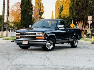 1988 Chevy Silverado short bed Original 5.7 Engine for Sale in Riverside, CA