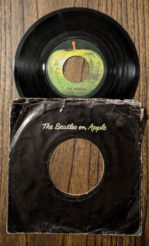 THE BEATLES - 45 RPM Vinyl Record ... (Label Apple) for Sale in Carrollton, TX