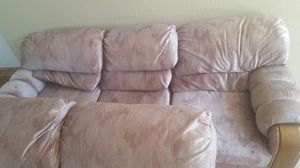 2piece couch for Sale in Lake Wales, FL
